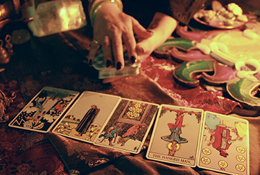 gypsy-fortune-telling-using-playing-cards