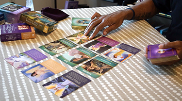 tips to read angel tarot cards